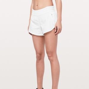 NWT Lululemon Tracker LR Short 4""